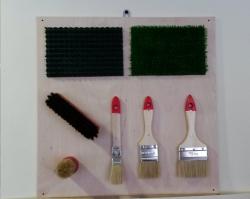 Тактильная панель «Кисти и щетки»